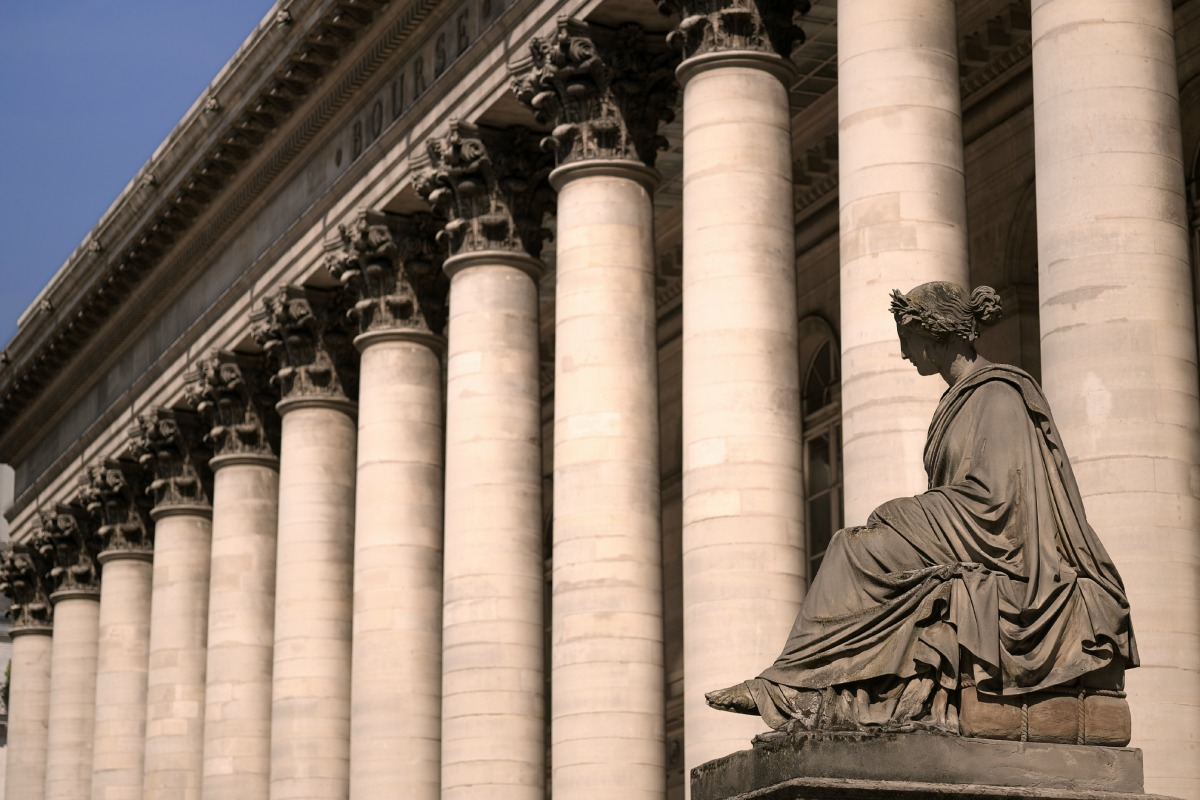 Bourse de paris - Palais Brongniart - © isaxar/shutterstock