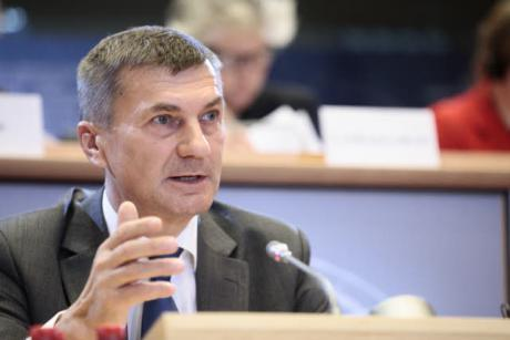 Commissioner-designate for the Digital Internal Market Andrus Ansip was drilled by the European Parliament in a hearing on Monday (6 October). [EP]