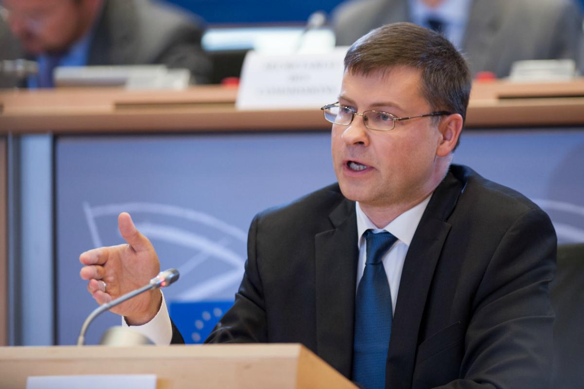 Le vice-président letton en charge de l'Euro et du Dialogue social, Valdis Dombrovskis, lors de son audition au Parlement européen - 6 octobre 2014 - ©Parlement européen