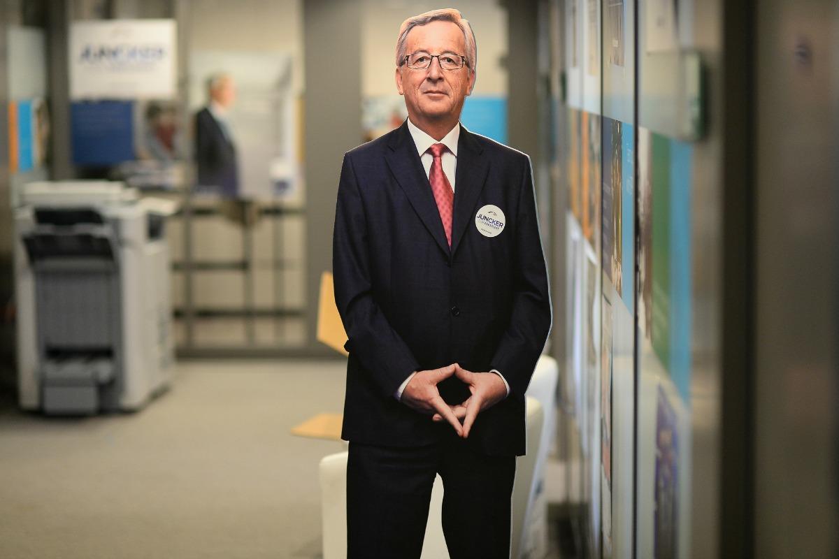 Une effigie de Jean-Claude Juncker se dresse dans un couloir lors des élections pour la présidence de la Commission. Mai 2014. [Jean-Claude Juncker/Flick]