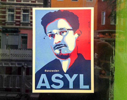 Edward Snowden sur  la Karl-Marx-Straße. Berlin, Août 2014.