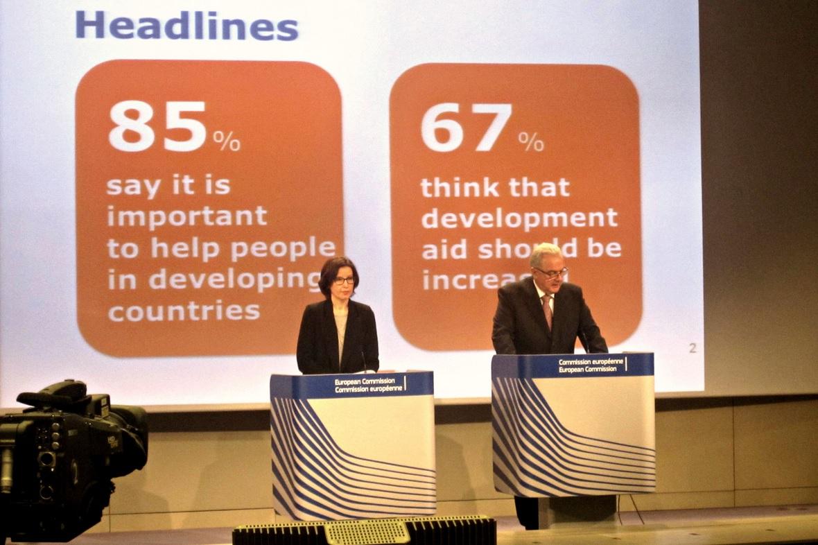 Neven Mimica à la présentation de l'étude sur les Européens et le développement - ©EURACTIV