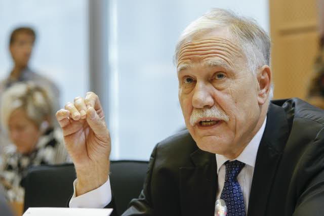 Dominique Riquet est vice-président de la commission transport du Parlement européen
