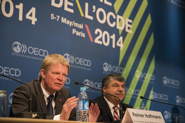 Richard Trumka, le président l'AFL-CIO et einer Hoffmann, président de la DGB à l'OCDE en 2014
