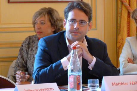 Le secrétaire d'Etat au Commerce extérieur plaide en faveur de nouvelles modalités de règlement des différends