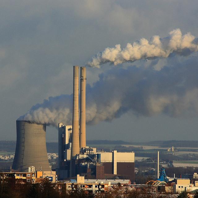 Pressée par la COP 21, la France confirme la fin des aides au charbon