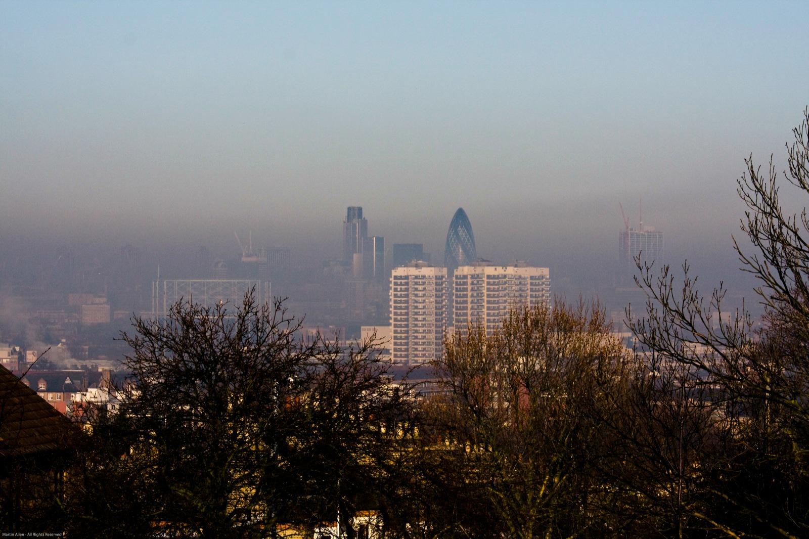 La pollution urbaine est notamment liée aux oxydes d'azote émis par les voitures[martin allen/Flickr]