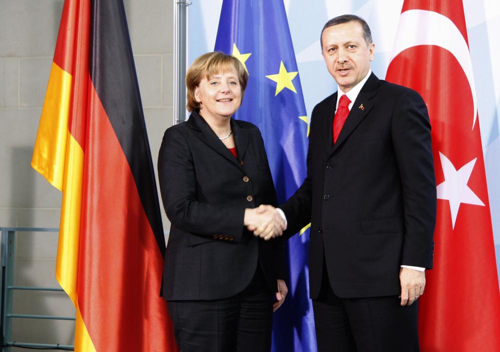 Angela Merkel change de stratégie face à la Turquie