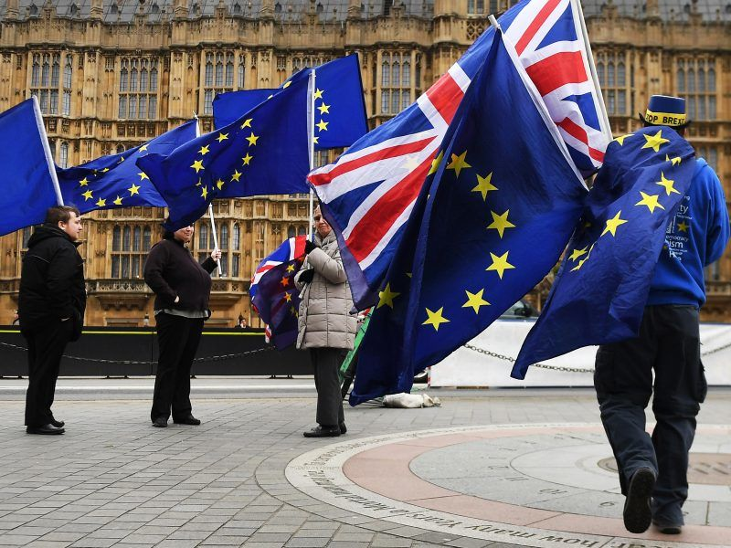 Brexit : Michel Barnier demande à Theresa May de