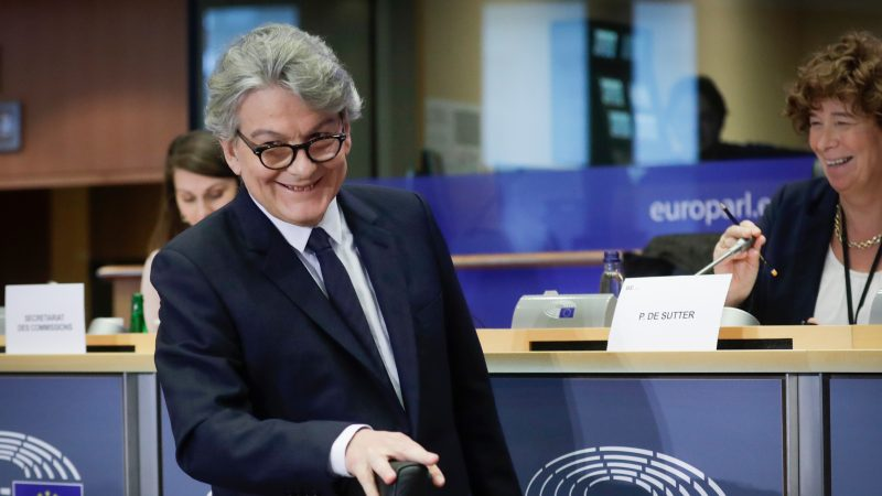https://www.euractiv.fr/wp-content/uploads/sites/3/2019/11/Thierry-Breton-800x450.jpg
